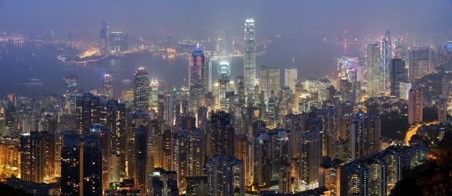 Hong_Kong_Skyline_Restitch_-_Dec_2007.jpg