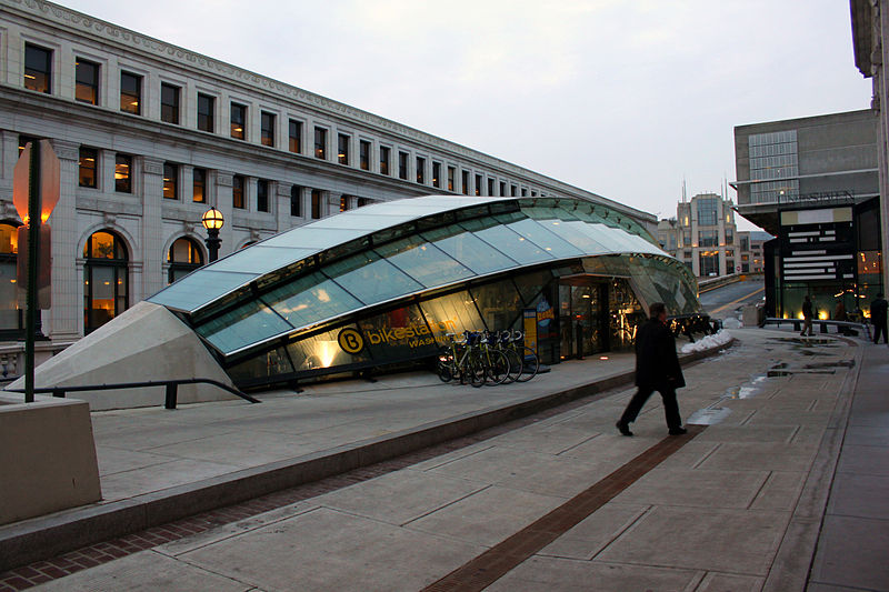 800px-Union_Station_Bicycle_Transit_Center.jpg